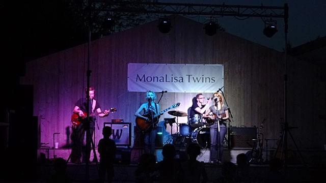 MonaLisa Twins live at May tree party Franzensdorf