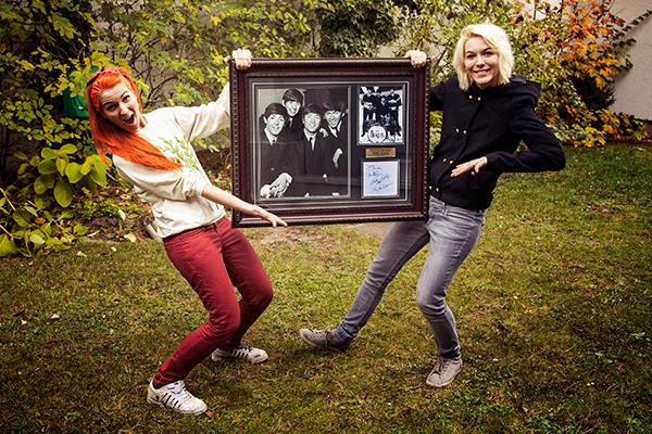 MonaLisa Twins Beatles Memorabilia